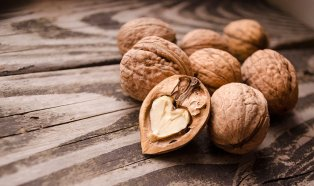 ¿Por qué las nueces son buenas para el corazón?
